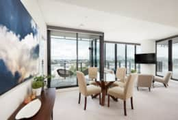 The Infinity - Two bedroom executive apartment in Zetland
