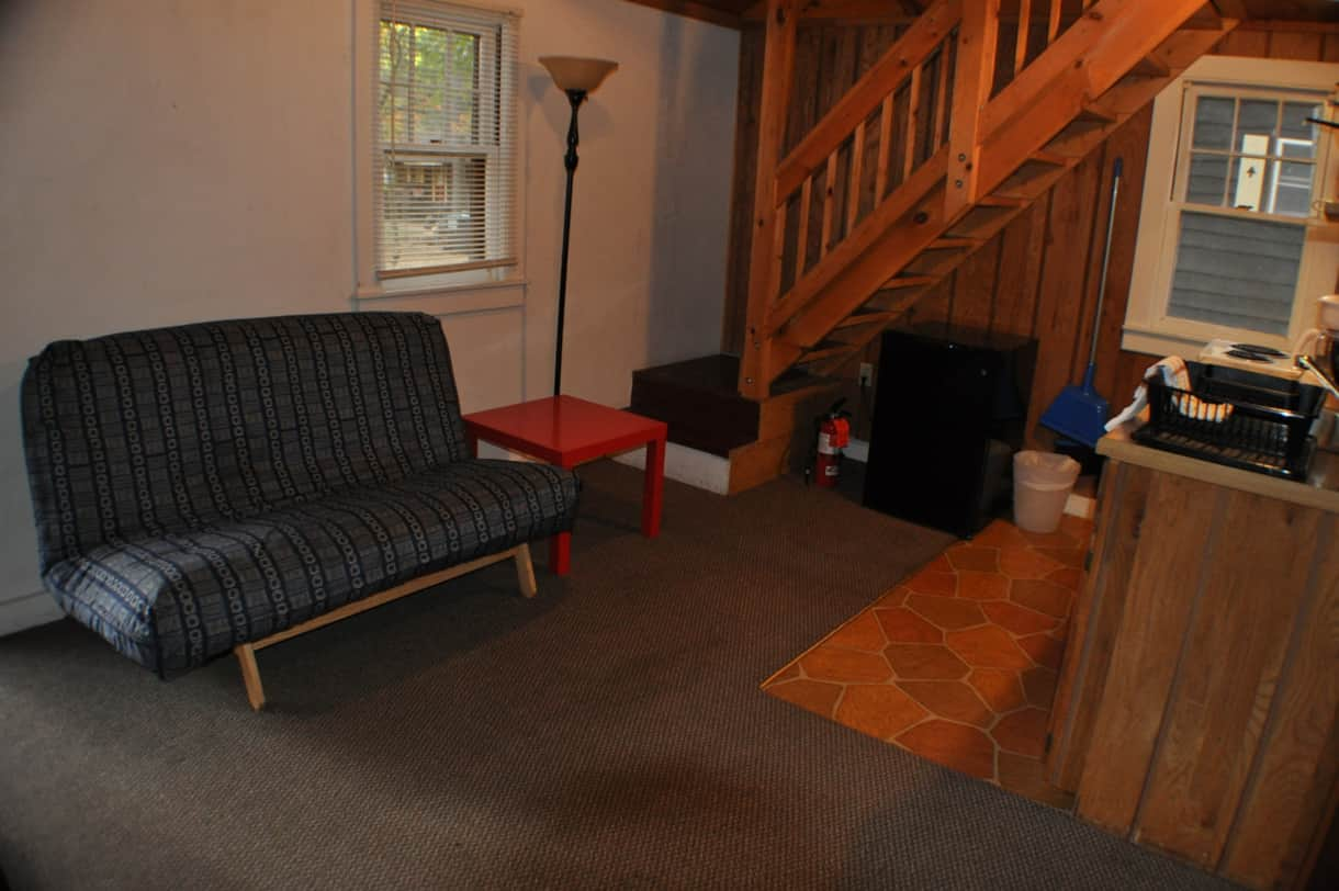 cottage 7 futon