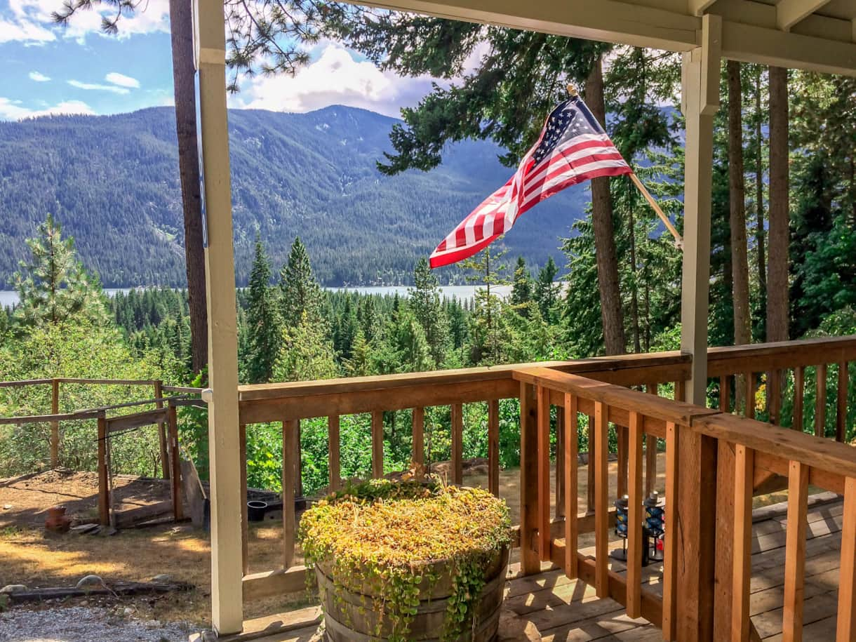 The Lakeview Retreat Summer Mountain and Lake View - Leavenworth, WA