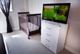 42' LED Smart Google TV- Crib available upon request for an extra fee of U$ 50