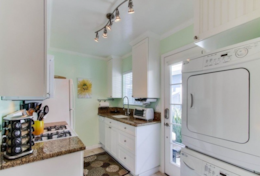 Fully equipped kitchen, including Washer and Dryer