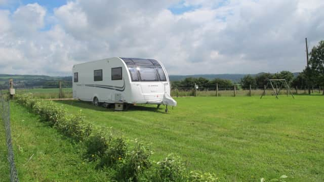 Duck Pitch with 8.22m caravan(2)