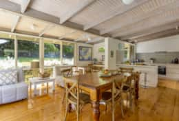 Harry's Retreat Blairgowrie - Family Dining Table - Good House Holiday Rentals