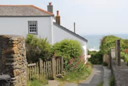 Front of Moon Cottage from the footpath