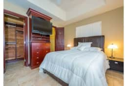 Lovely Guest Bedroom Suite