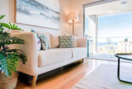 The Bellevue - Incredible Beach Side Maroubra Apartment