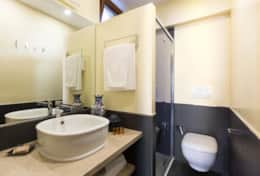 18-margana-1-bathroom2