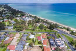 Park across the road, Dromana Beach at your doorstep what more could you ask for?