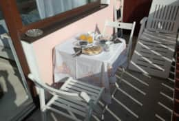 Enjoy your breakfast on the balcony