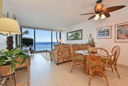 Visit-Maui-Beach-vacation-Mahana-oceanfront-living-room-view-414.jpg