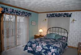 Bedroom 4, The Galena Log Home, Galena IL - Vacation Rental Home