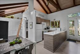 Kitchen and ladder-to-loft hideaway for an extra 2 people.
