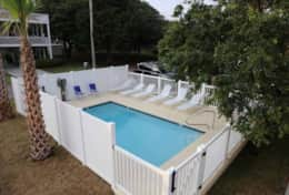 swimming-pool-in-the-back