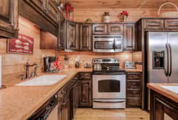 Fully Equipped kitchen in your log cabin