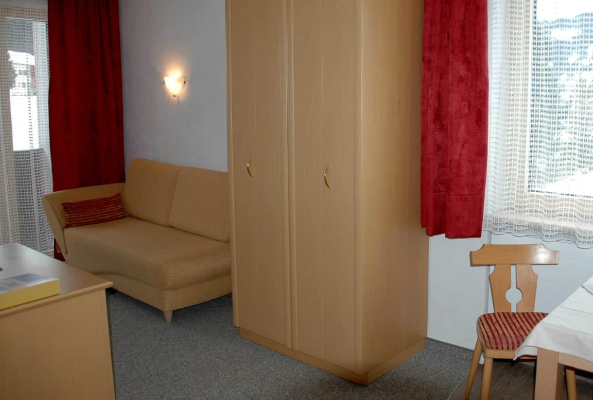 Appartements Vilsalp TAN 1 west Wohnraum