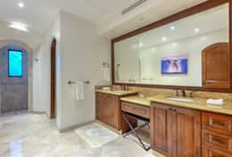 Shared Full Bathroom