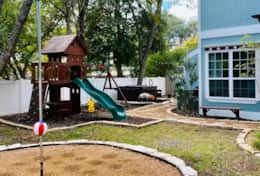 Pecan Cottage tetherball_playground_hot tub