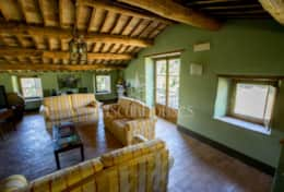 Casale Lavica-Holiday-Rentals-in-Umbria-whit-Private-pool (1)