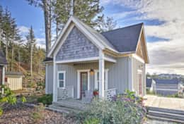 The lovely By-the-Wind Sailor is an adorable beach cottage in the Olivia Beach Camp Cabins complex.