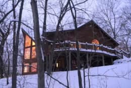 The Galena Log Home, Galena IL - Vacation Rental Home