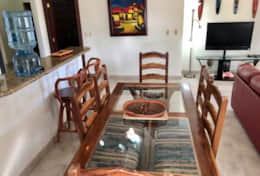 Rio Dulce V4 dining table