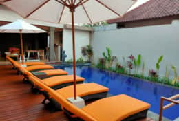 3BR villa with private pool