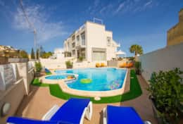 Diamantina Swimming pool Villa
