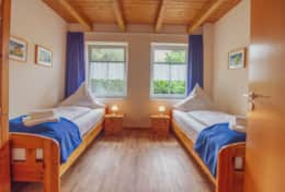 Holiday House Merlin Herring Gull Greetsiel Bedroom with two single beds