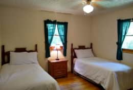 Cabin 4 - Twin Room