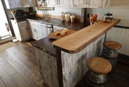 Kitchen - www.oldchurchcottages.com - Boundary Creek,NB Location