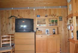 M07_Bjorn_Cottage-TV_Room