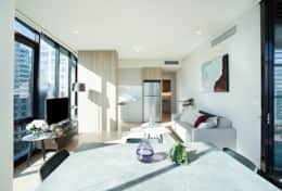 The York - luxury 2 bed in the CBD