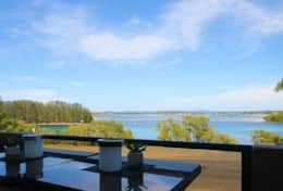 Forster lakefront accommodation