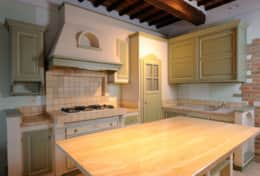 Kitchen---Villa-Fonte---Trasimeno-Lake