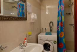 Casa Vignone, basement bathroom