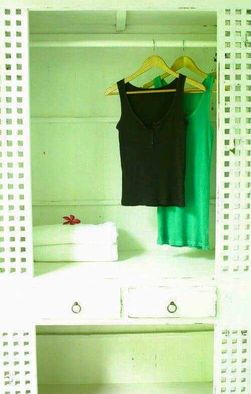 Twinroom_wardrobe