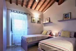 Villa Silvignano, twin bedroom first floor
