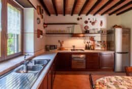 La Camilla, kitchen