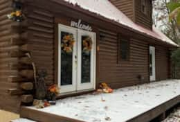 Waynesville Smokies Overlook Lodge Cabin - Front Door Snow