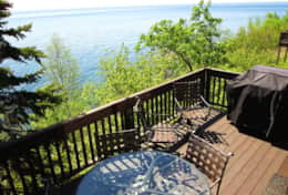 Spectacular views of Superior from the deck faces Southeast. Hear & feel waves!