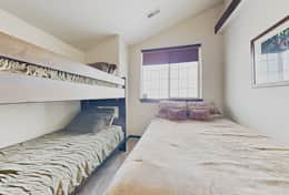 Guest bedroom 2 - queen and twin over twin bunks